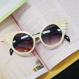 Wings Frame Sunglasses