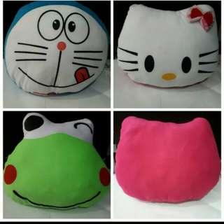 Bantal karakter kepala Doraemon Hello Kitty , Keropy,Pikachu