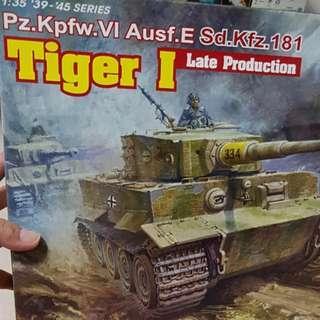 DIY Pz.Kpfw.VI Ausf.E Sd. Kfz. 181 Tiger 1 Late Production 3in1