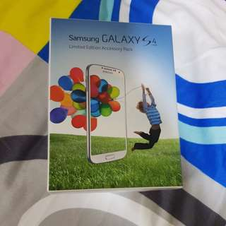 Samsung Galaxy s4 accessory pack
