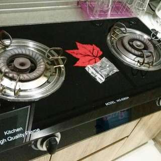 Gas stove (Like new-rarely used)