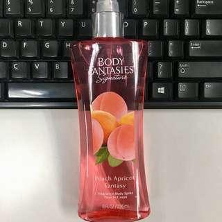 Body Fantasies Signature - Peach Apricot 236 ML
