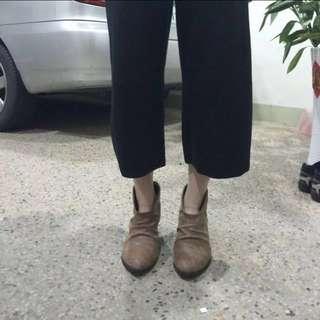 🚚 正韓 仿舊抓皺駝色短靴
