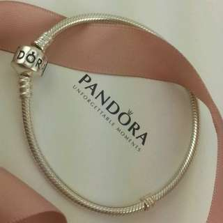 BNIB Authentic Pandora Charm Bracelet Sterling Silver in 19cm