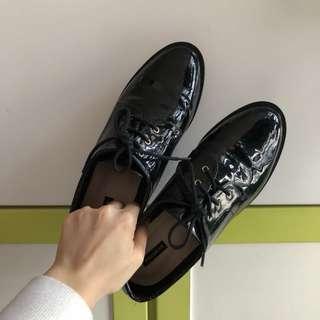Paul&bear 牛津漆皮鞋