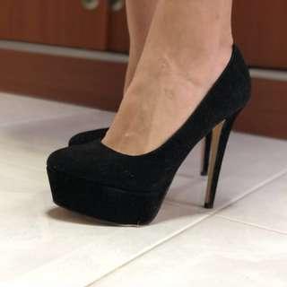 Great Stiletto Heels! Black Suede material