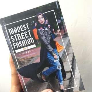 Modest Street Fashion from Dian Pelangi