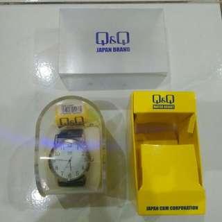 Jam Tangan Q&Q Analog Strap Kulit Diameter 3,5 cm