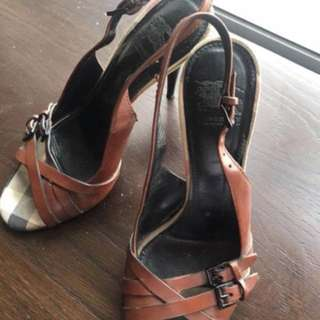 Burberry leather heels