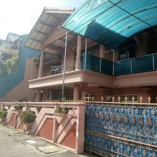 Rumah 2 lantai sertifikat SHM