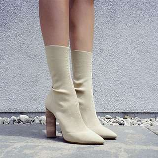 Beige Knitted stretch boots