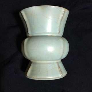 Song dynasty Ru kiln Sky blue vase 12 cm high x 8 cm Wide. Special offer  150,000. 汝窯出戟花觚,鋼器造型,花觚整體造型庄重敳厚,十分珍貴。為高档陈設用器。highest offer secured. 。