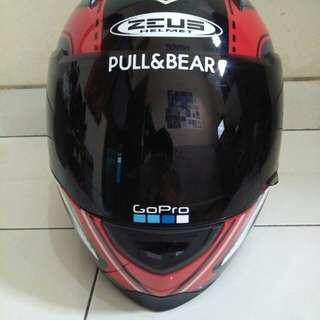 Helm Zeus 811