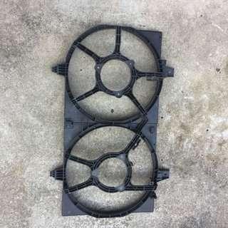 2005, 2006, 2007 Nissan sunny Radiator fan motor mounting bracket