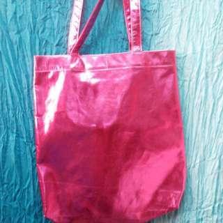 🚚 粉紅金屬光澤提袋
