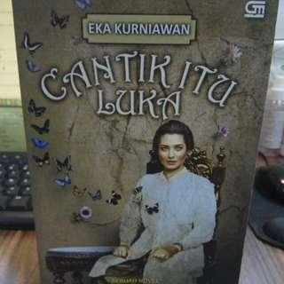 Cantik Itu Luka by Eka Kurniawan