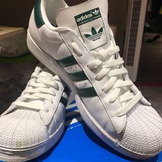 ADIDAS SUPERSTARS WHITE/FOREST GREEN SIZE12