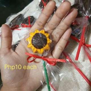 Choco on Sticks / Chocolate Lollipop - Sunflower shape - 2colors choco