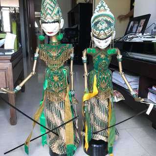 Handcrafted Indonesian cupumanik figures