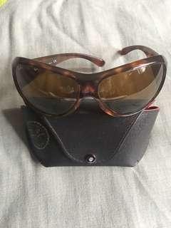 Ray-Ban Woman's Sunglasses