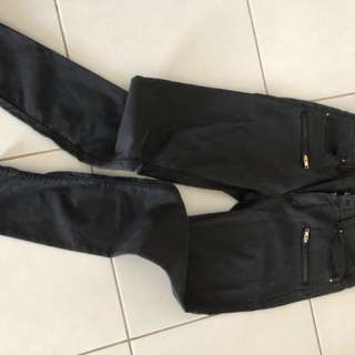 Country road. Fine jean stretch. Gold zipper details. Never been worn size 12