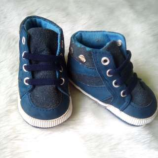 high-cut shoe 👟👟