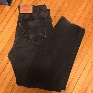 vintage darkwash levis mom jeans