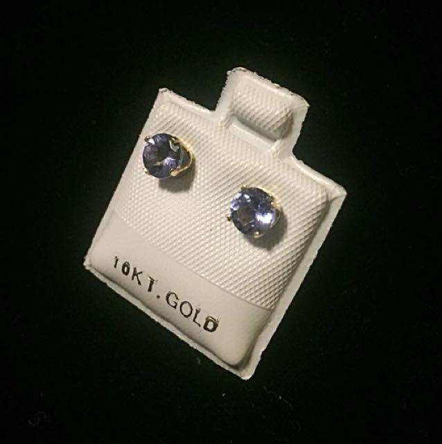 10 kt yellow gold 0.95 ct tanzanite earrings