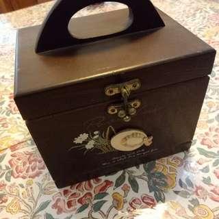 木頭珠寶盒