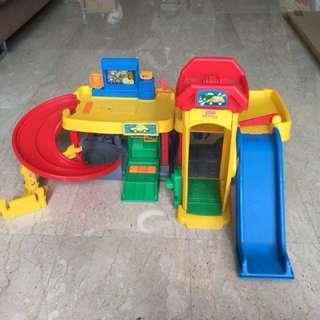 Fisher & Price car garage set