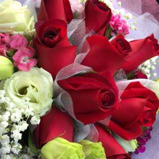 Valentines' Day Red Roses Hand Bouquet
