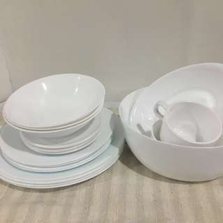 White, Ceramic & Microwavable Plates and Bowls
