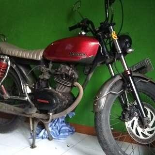 Motor CB100