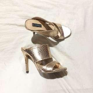 gold shiny heels from glamorous 🖤