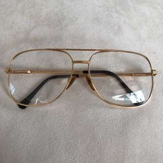 Monde exclusive glasses frame