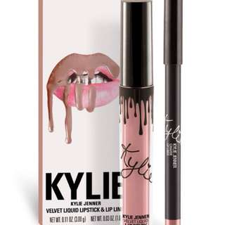 Authentic Kylie Lip Kit in Charm