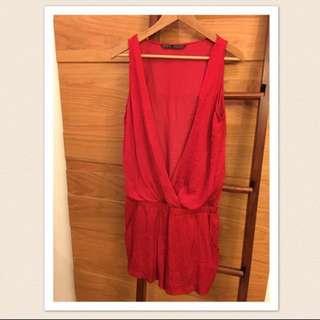 Zara 開春紅色緞面 連身褲