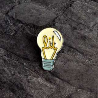 📌 INSTOCK lit/lightbulb pin 📌