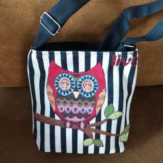 New-Embroidered Owl Design Sling Bag