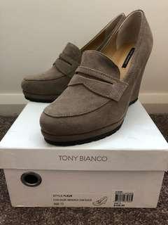 Tony Bianco comfy wedge