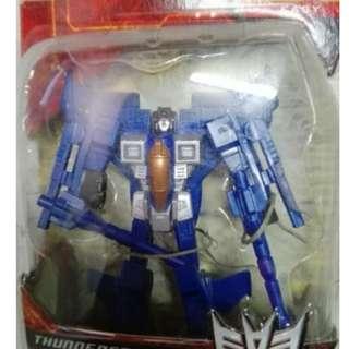 Transformer generation-legend class thundercracker