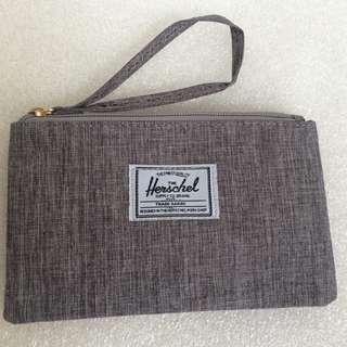Herschel Wristlet Grey