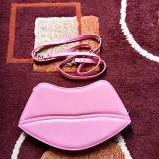 pink lips mini bag