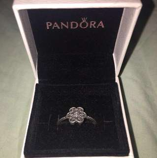 Pandora Ring - Floral Daisy Lace