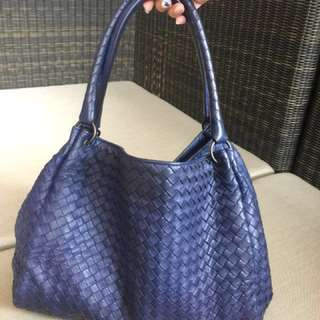 Bottega Veneta Prachute Medium Handbag