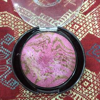 Baby soft Pink blusher with hilighter glow