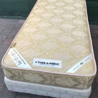 Excellent condition single bed base with mattress. Delivery