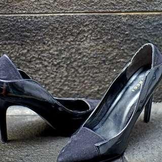 Vincci black high heels