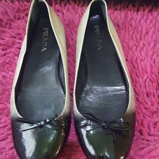 Prada flatshoes authentic