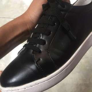 Sepatu singapore
